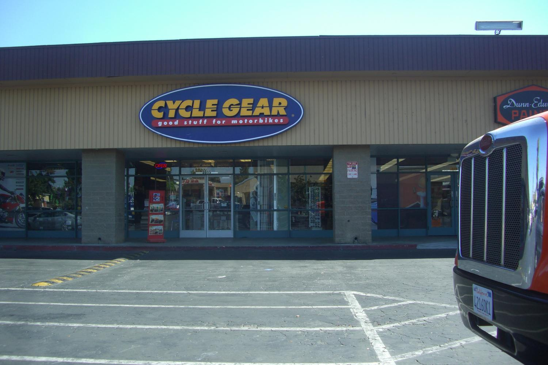 Cycle Gear, Bak