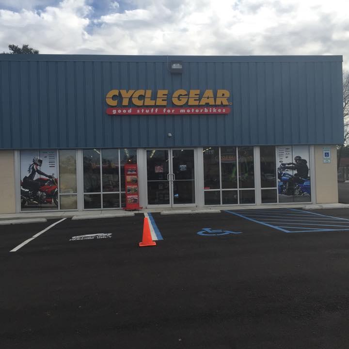 Cycle Gear, Hoo